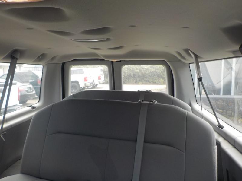 Ford Econoline Wagon 2008 price $13,898