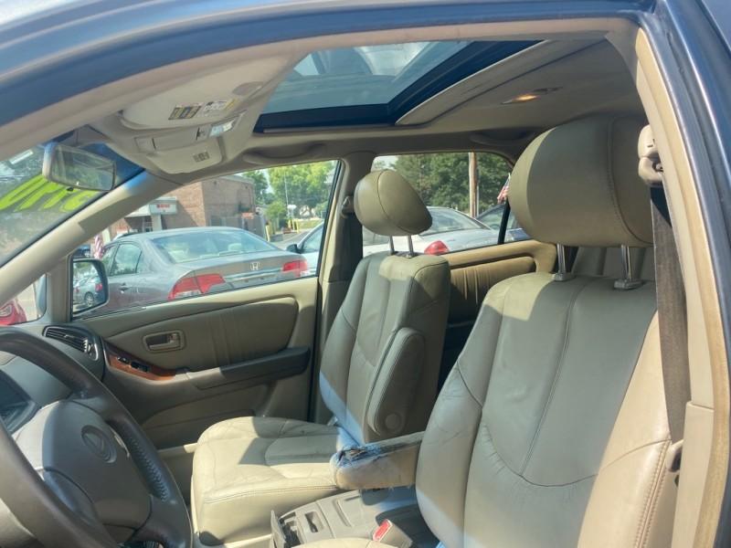 LEXUS RX 2000 price $3,990