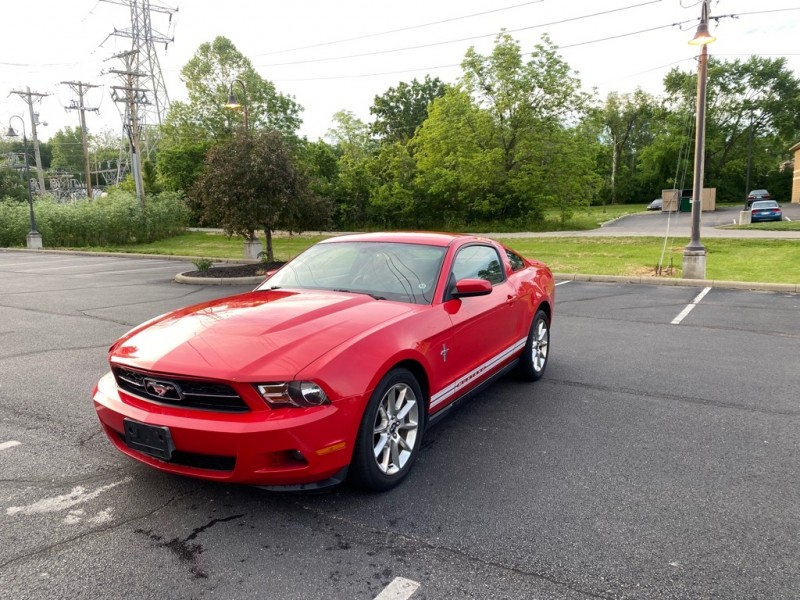 FORD MUSTANG 2010 price $9,499