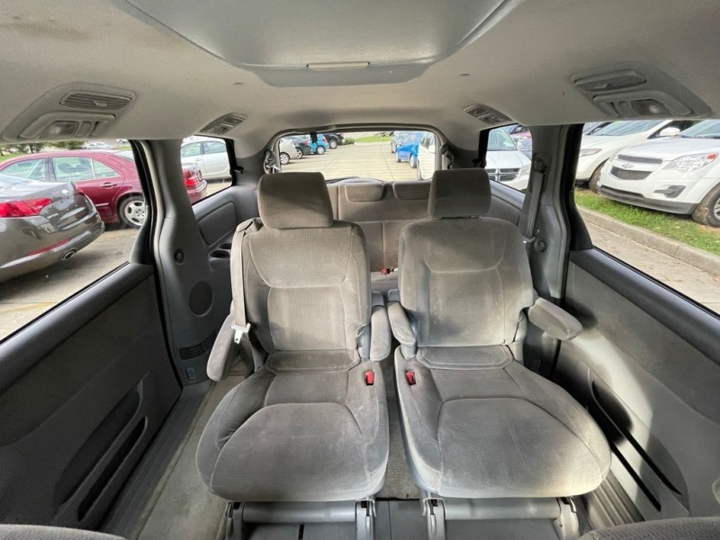TOYOTA SIENNA 2004 price Call for Pricing.