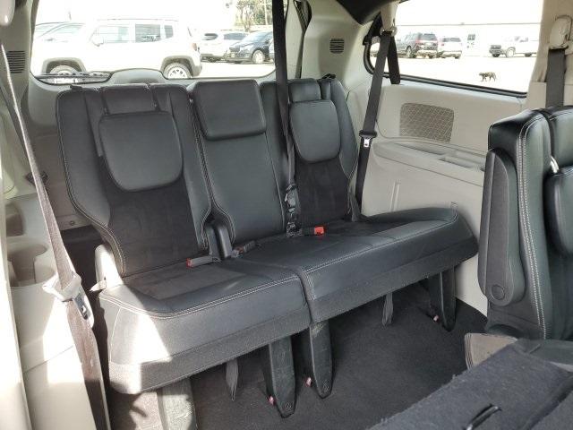 Dodge Grand Caravan 2018 price $15,388