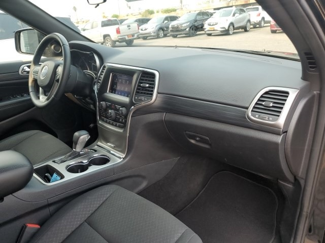 Jeep Grand Cherokee 2019 price $30,696