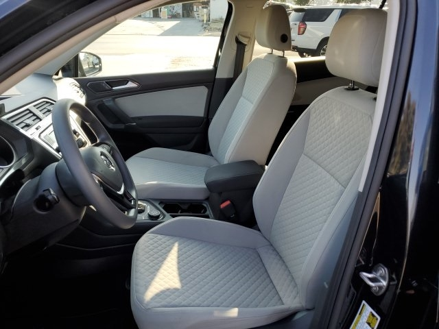 Volkswagen Tiguan 2018 price $19,941
