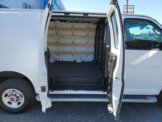 GMC Savana 2500 2019 price $29,808