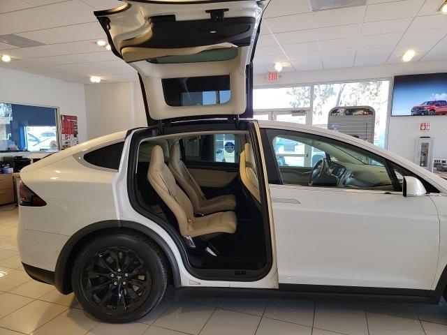 Tesla Model X 2016 price $62,997