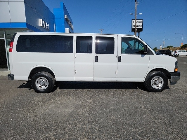 Chevrolet Express 3500 2019 price $28,999