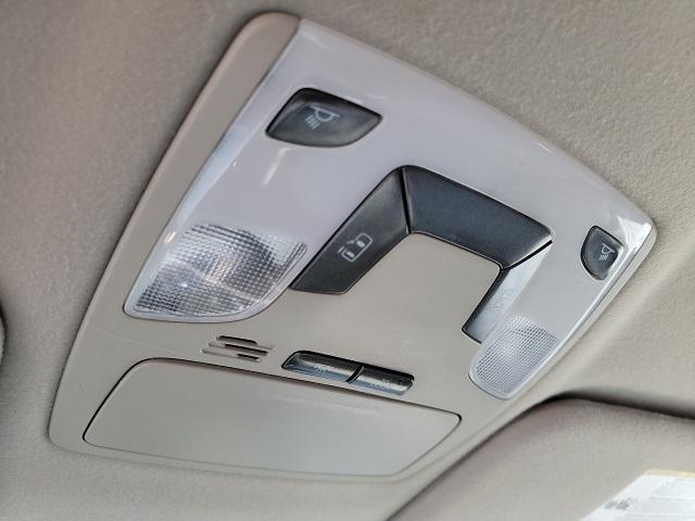 Toyota Sienna 2012 price $16,490