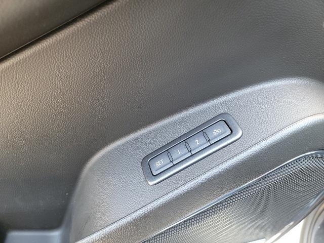 Chevrolet Suburban 2018 price $56,499