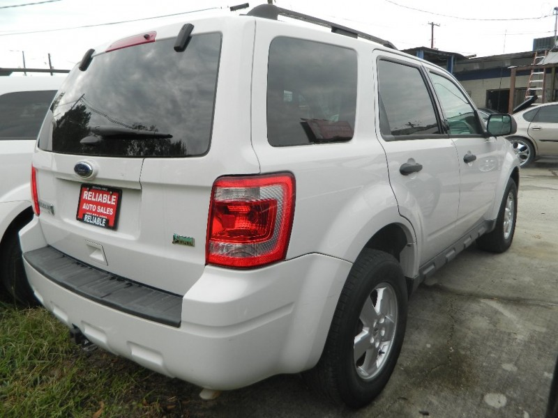 Ford ESCAPE 2012 price $7,300