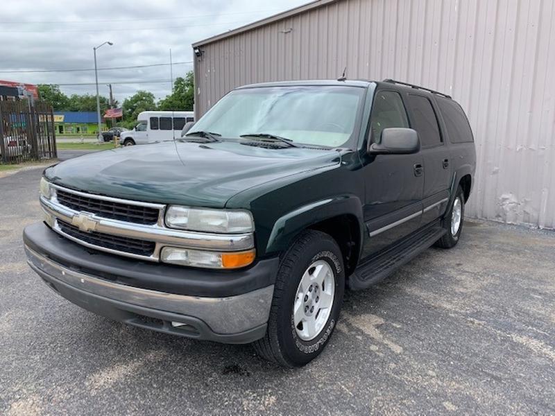 Chevrolet Suburban 2004 price $7,495
