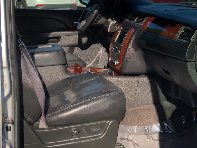 Chevrolet Suburban 2010 price $0