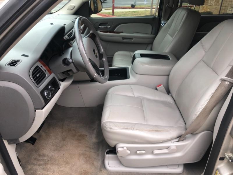 Chevrolet Suburban 2009 price $1,800 Down