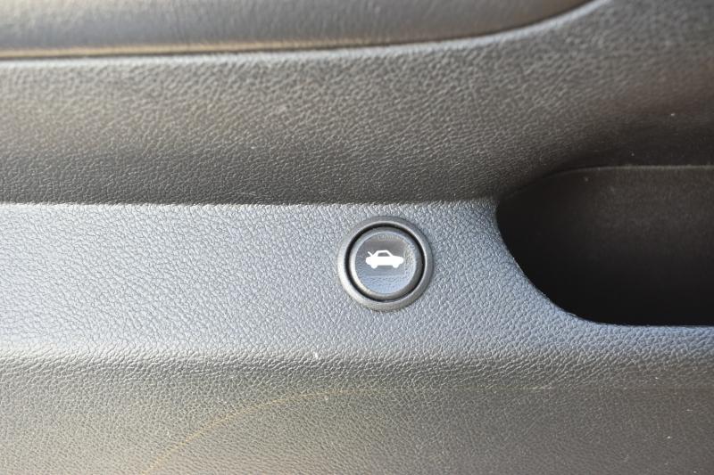Chevrolet Camaro 2011 price $13,995