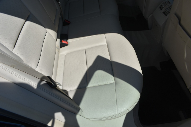 Mercedes-Benz E-Class 2014 price $16,195