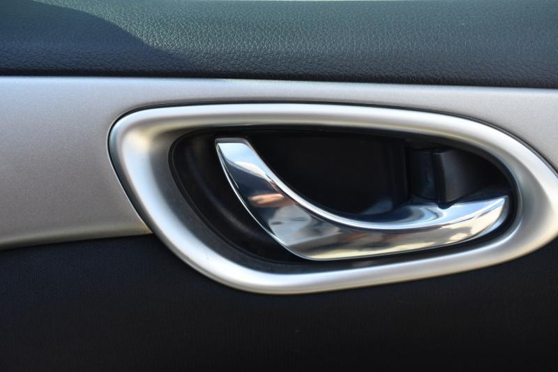 Nissan Sentra 2015 price $9,995