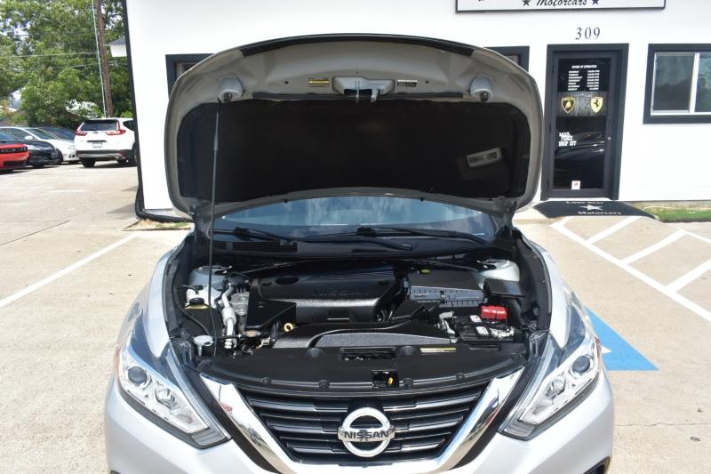 Nissan Altima 2017 price $14,495