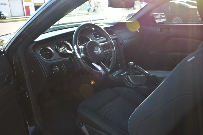Ford Mustang 2014 price $15,395