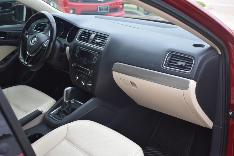 Volkswagen Jetta 2017 price $12,795
