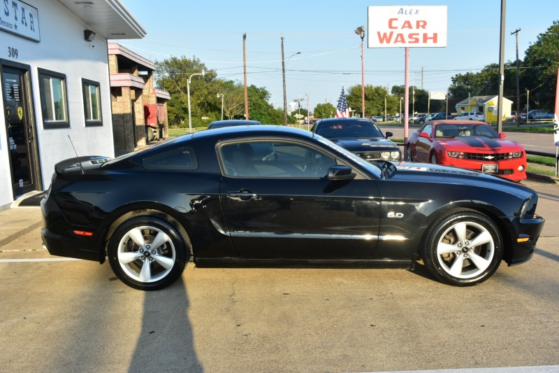 Ford Mustang 2013 price $20,895