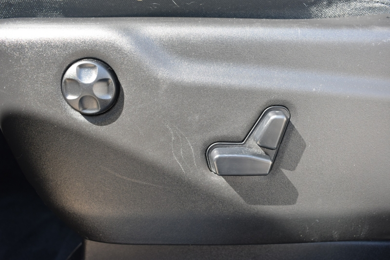 Jeep Grand Cherokee 2015 price $19,995
