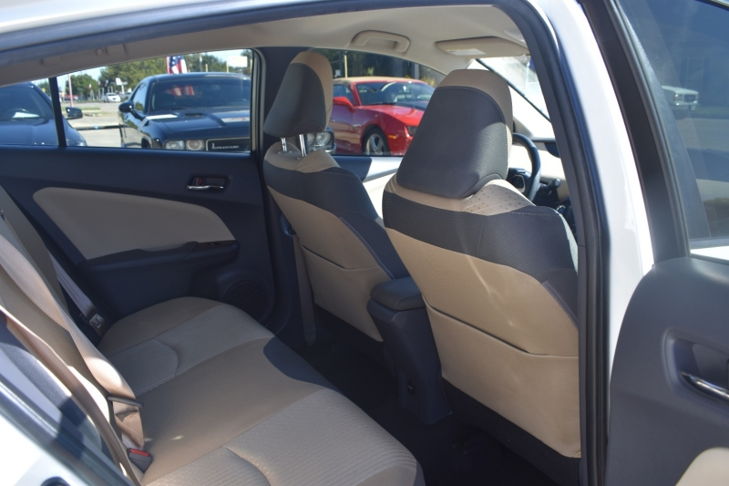 Toyota Prius 2017 price $15,695