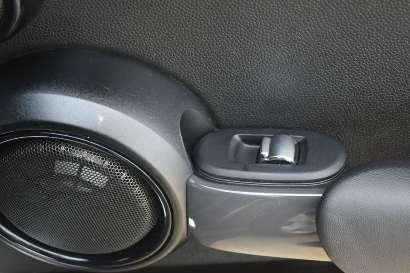Mini Cooper Hardtop 4 Door 2015 price $10,495