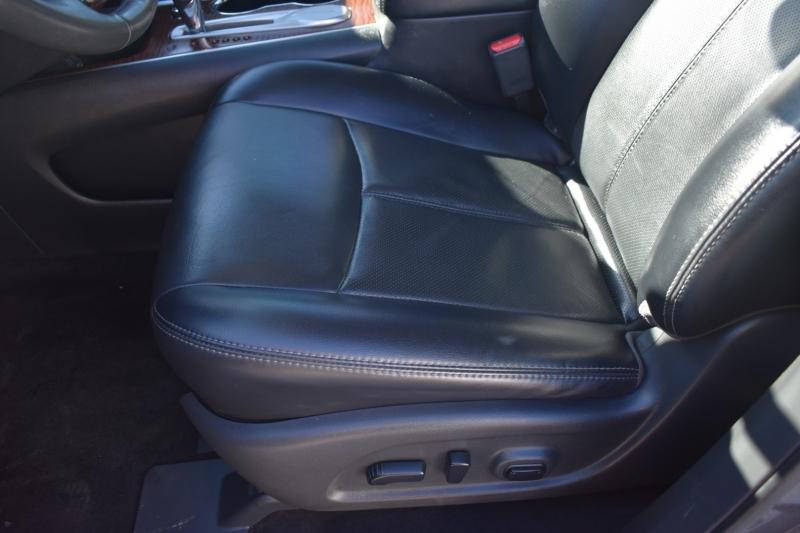 Nissan Pathfinder 2018 price $20,095