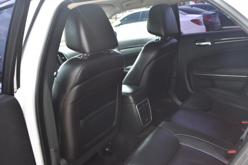 Chrysler 300 2015 price $15,995