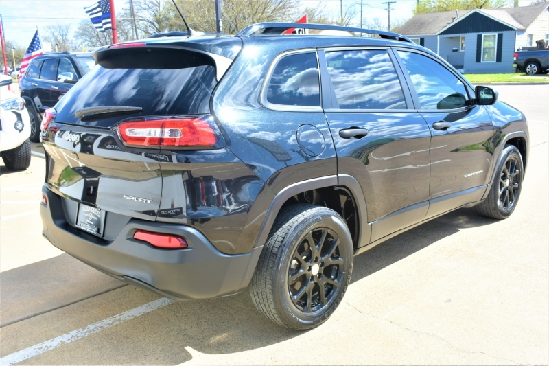 Jeep Cherokee 2016 price $14,995