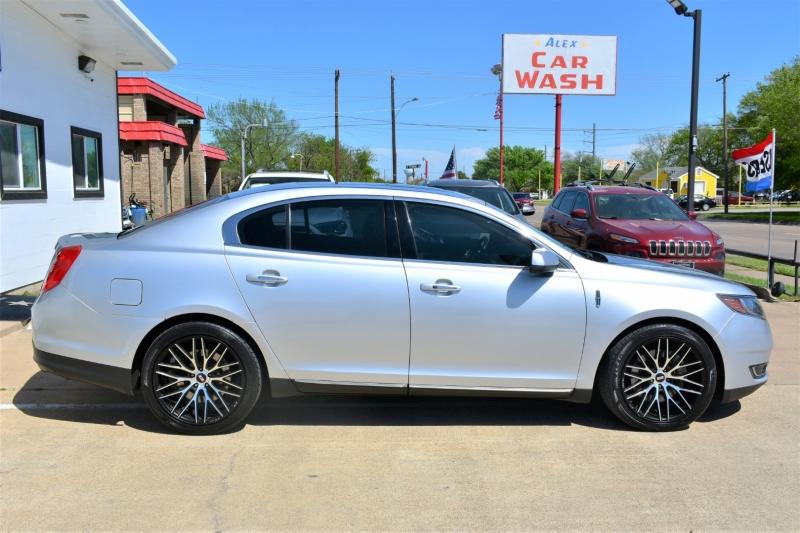 Lincoln MKS 2016 price $19,995