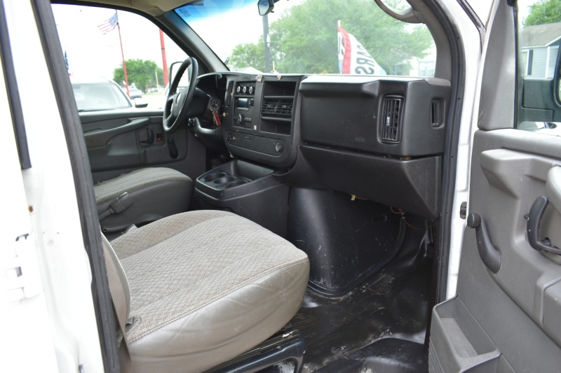 GMC Savana Cargo Van 2010 price $11,995