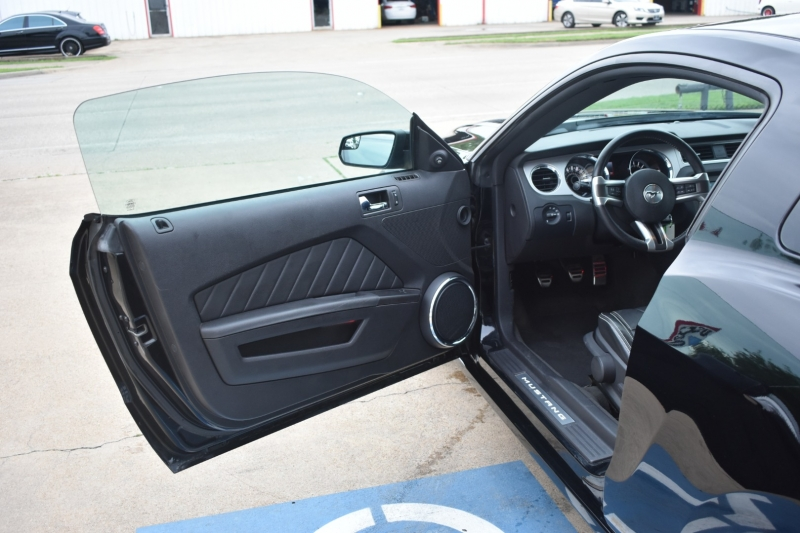 Ford Mustang 2013 price $23,995