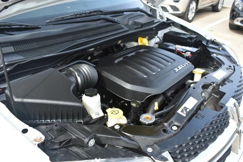 Dodge Grand Caravan 2015 price $12,995