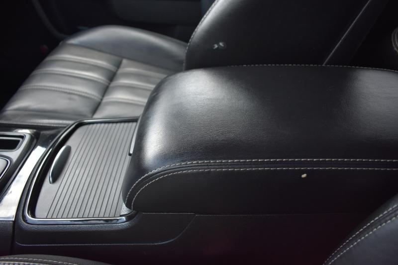 Chrysler 300 2018 price $23,995