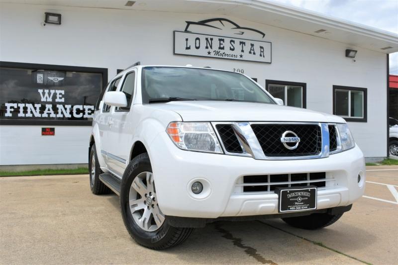 Nissan Pathfinder 2012 price $15,595