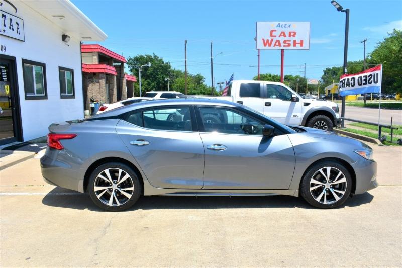 Nissan Maxima 2017 price $20,995