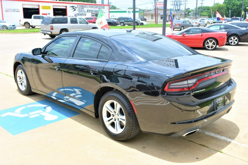 Dodge Charger 2017 price $25,995