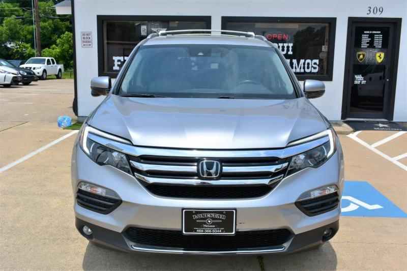 Honda Pilot 2017 price $27,995