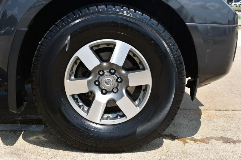 Nissan Frontier 2011 price $17,995