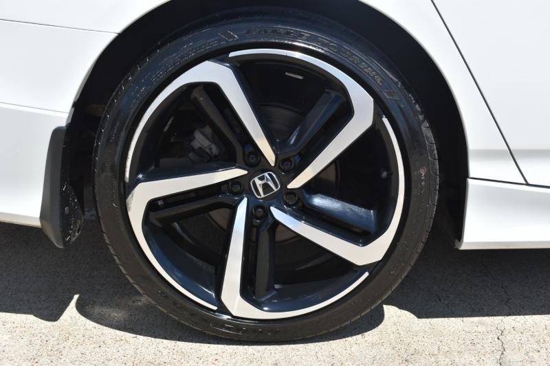 Honda Accord Sedan 2018 price $20,995