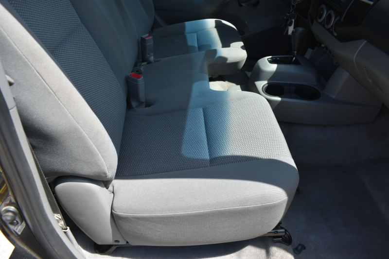 Toyota Tacoma 2010 price $10,995