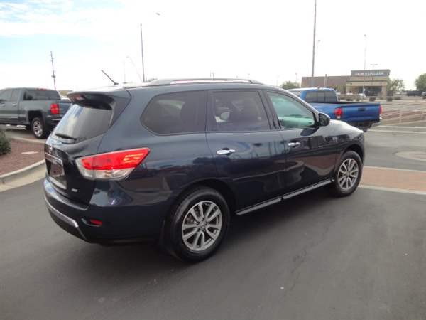 Nissan Pathfinder 2016 price $2,499 Down