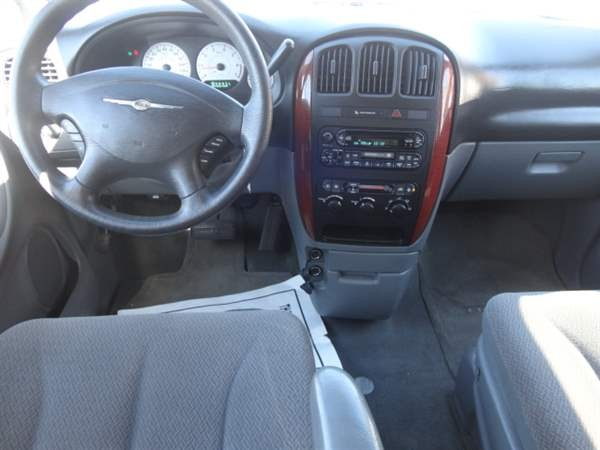 Chrysler Town & Country LWB 2007 price $1,099 Down