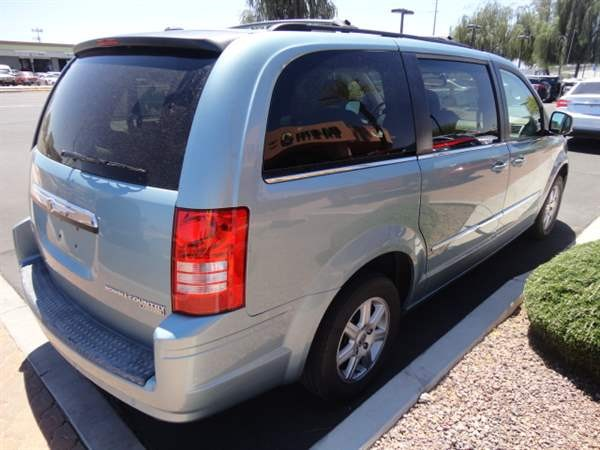 Chrysler Town & Country 2010 price $1,299 Down