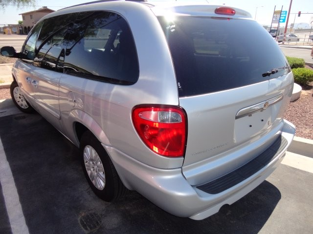 Chrysler Town & Country LWB 2007 price Call for Pricing.