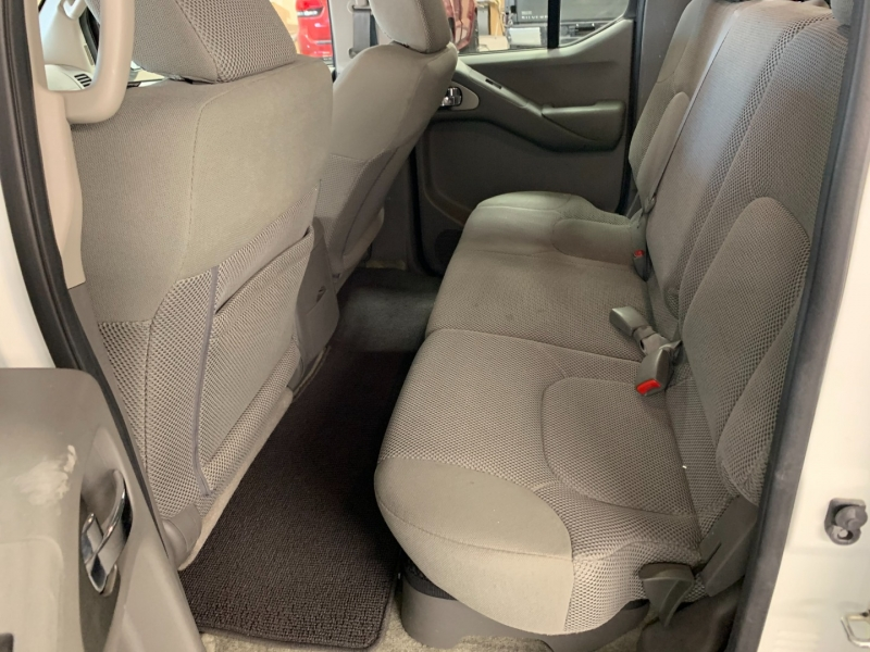 Nissan Frontier 2017 price $22,300