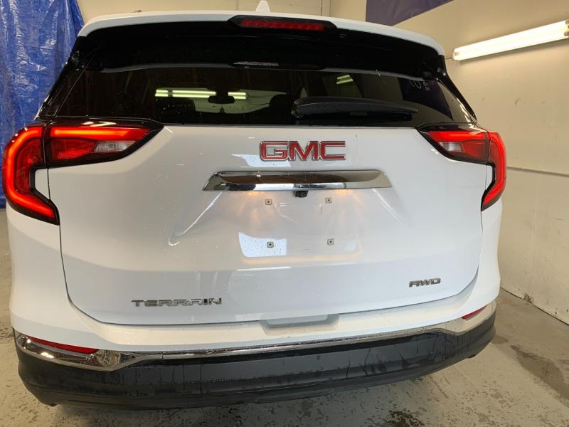 GMC Terrain 2020 price $23,400