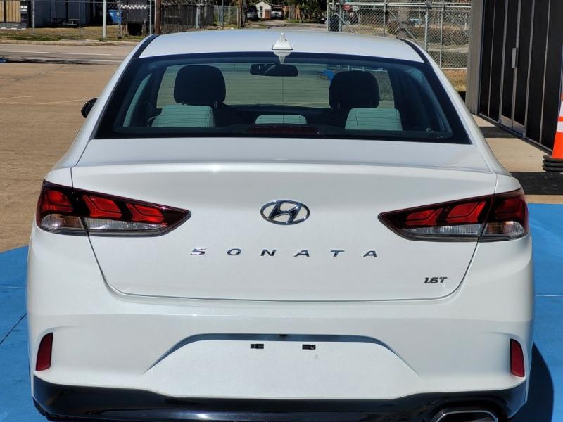HYUNDAI SONATA 2018 price $12,999