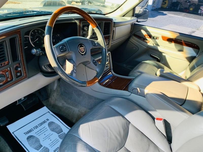 CADILLAC ESCALADE 2004 price $6,695