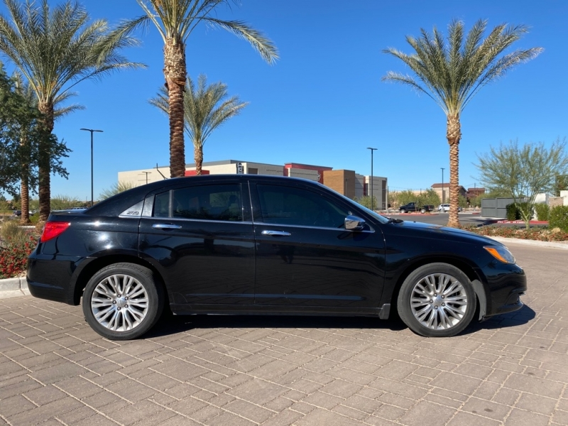 CHRYSLER 200 2011 price $5,995